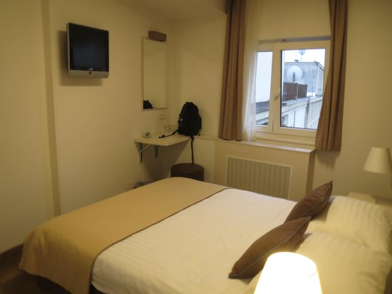 Hotel Jadran Zagreb: Room
