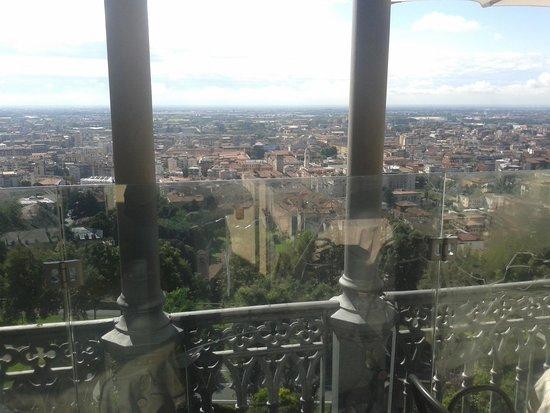 Funicolare Bergamo Alta : panorama dal bar della funicolare