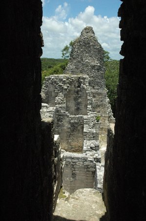Chicanna Ecovillage Resort: ruines vers becan