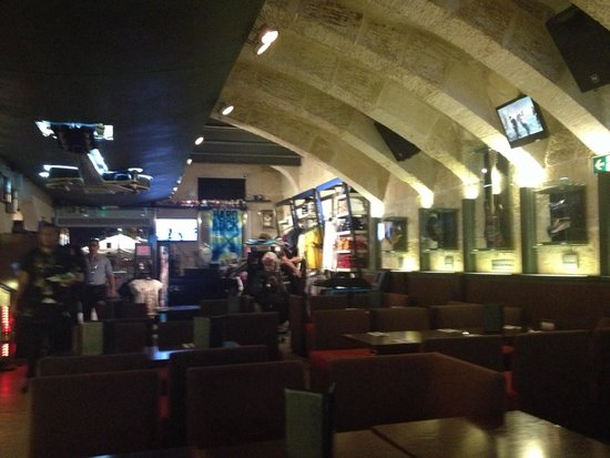 Hard Rock Cafe: Inside