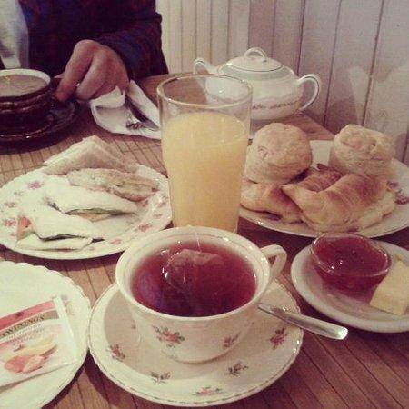 Lavander Gifts and Tea room: Merienda
