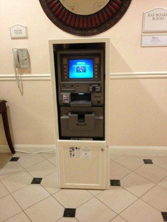 Hilton Garden Inn Grand Forks : ATM Machine