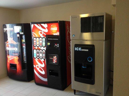 Hilton Garden Inn Grand Forks : Vending-Ice