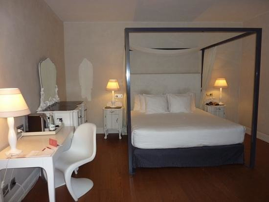 NH Collection Firenze Porta Rossa: notre lovely chambre