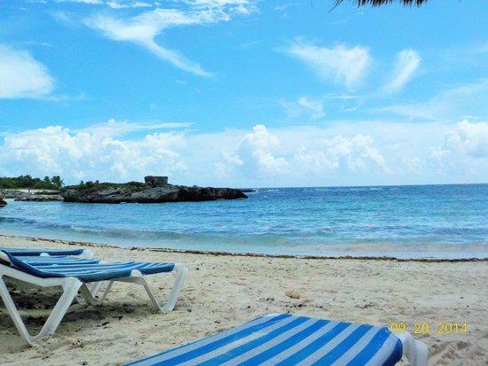 Grand Sirenis Riviera Maya Resort & Spa: far right beach area by the bbq lunch hut