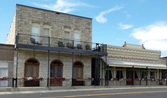 Uptown Blanco Restaurant: On the Main Street
