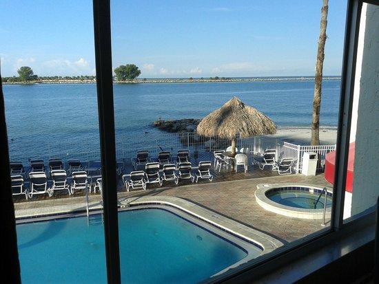 Gulf Beach Inn: Vista do quarto