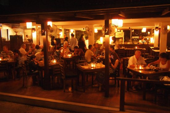 PEPeNERO Cucina Italiana: レストランの内装。