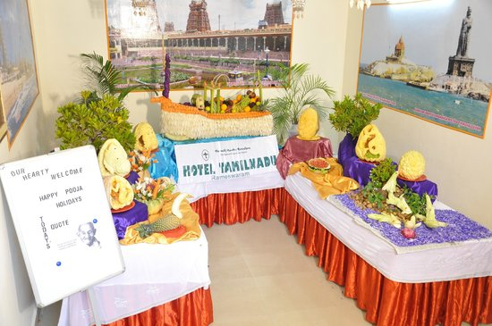 TTDC Tamil Nadu Hotel: carving display
