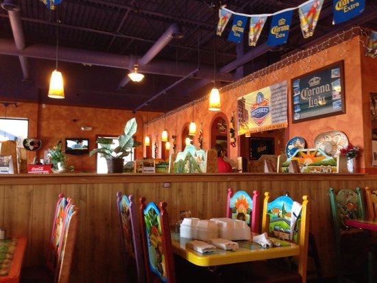 El Rancho Authentic Mexican Restaurant: Late lunch-time...