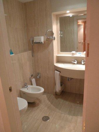 Hotel VP Jardin Metropolitano: il bagno 1