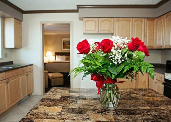 Romance Picture Of Comfort Inn Utica Utica Tripadvisor