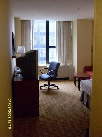 Courtyard New York Manhattan/Midtown East : My room