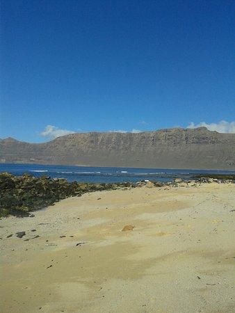 Calima Surf School: Playa de Famara