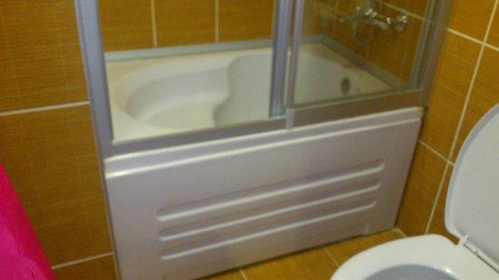 Antik Hotel Istanbul: bañera para atletas
