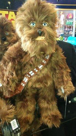Glòries: Chewbacca in Disney Store