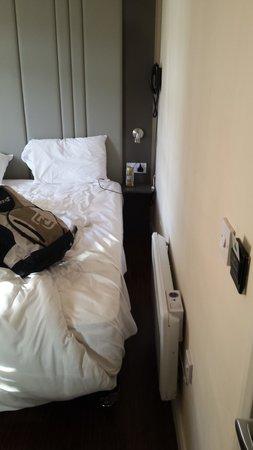 Baltimore Hotel: Tiny room