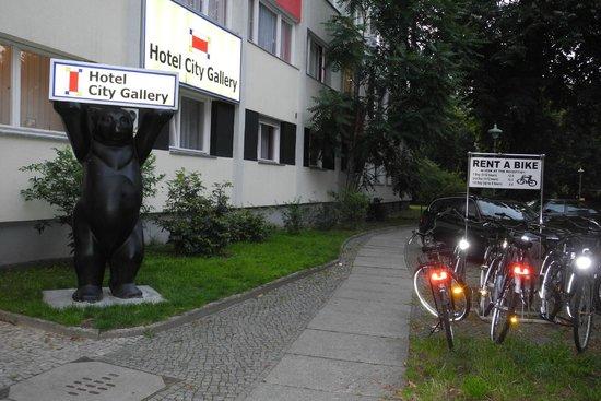 City Gallery Berlin Hotel: Hotel entrance