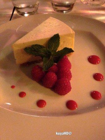 La Fontaine Gaillon : cheesecake at fontaine gaillon, OMG!