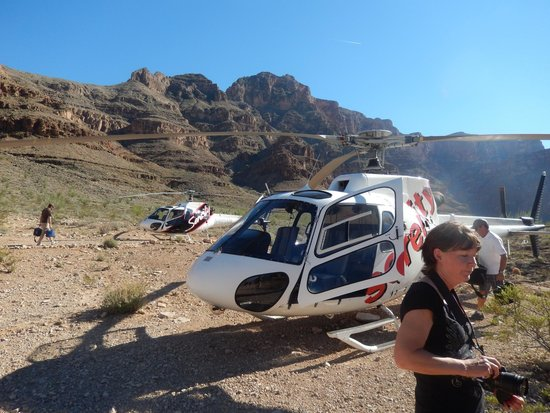 Serenity Helicopters : parked at bottom of canyon