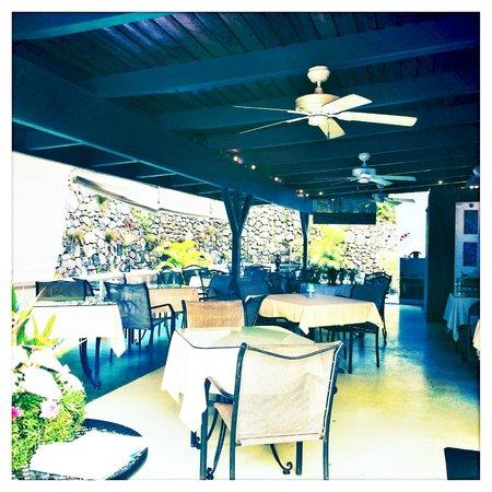 Kona Coffeehouse & Cafe at Honaunau: The patio at the back