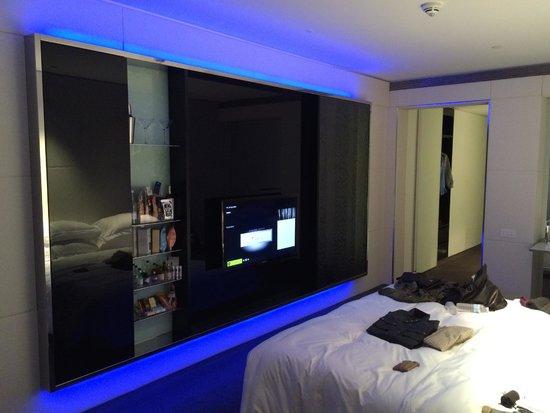 ME London: VIBE Room