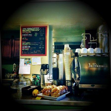 Kona Coffeehouse & Cafe at Honaunau: Inside the coffee shop