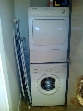 Jameson Court Apartments : Lavadora, secadora, plancha, cuna....