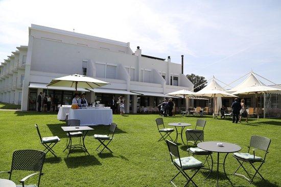 Hotel Emilia : giardino lato nord