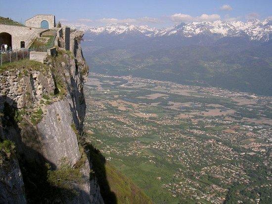 Holiday Inn Express Grenoble - Bernin : Scenery / Landscape