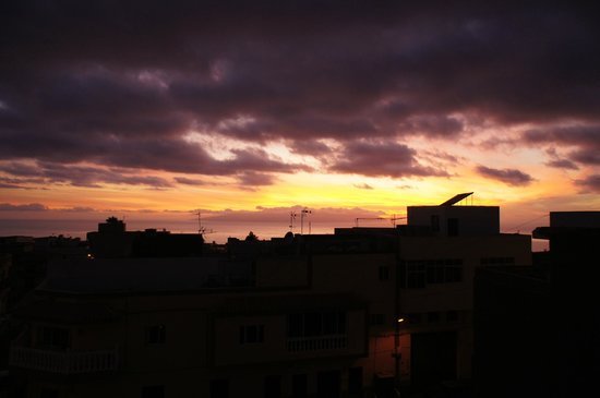 Hotel Pension La Vista: Sunset view from the roof terrace