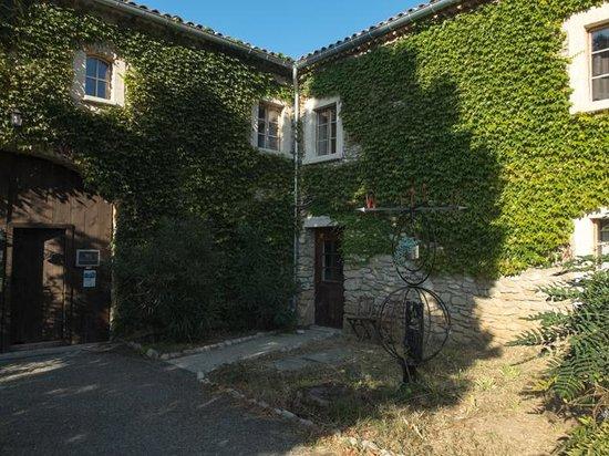 Auberge la Plaine: entrance
