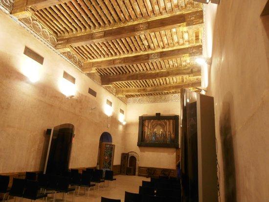 Hospederia Castillo Papa Luna: sala dorada