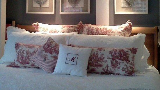16 Beach Street Bed and Breakfast: The Mary Harrington Room