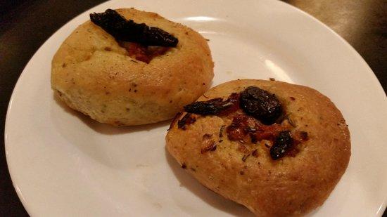 Amphora's Diner Deluxe: Biscuits