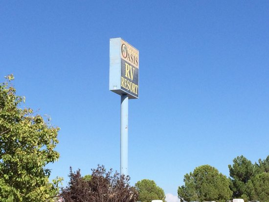 Oasis Las Vegas RV Resort : The sign in the daytime :)