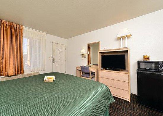 Quality Inn North: guestroom4