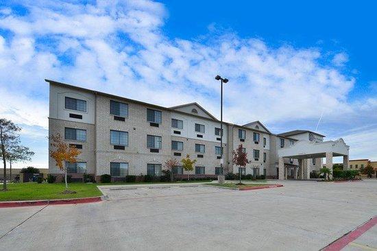 Photo of BEST WESTERN PLUS Mansfield Inn & Suites