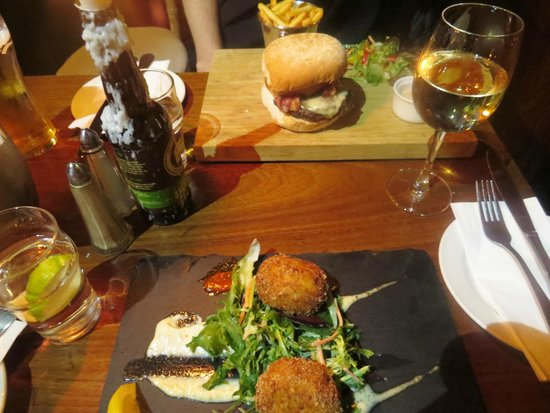 Fitzpatrick's Bar : Our gorgeous dinner