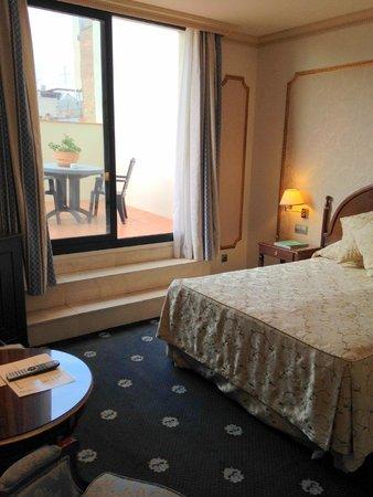 Hotel Roger De Lluria Barcelona: Double room, with terrace