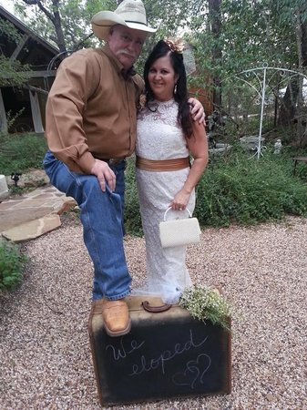 Star of Texas Bed & Breakfast: The Cowans 9/27/14