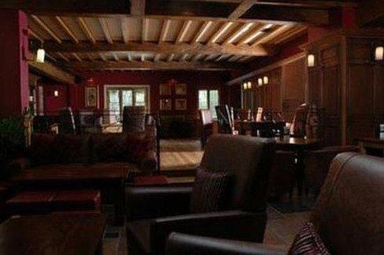 Grosvenor Pulford Hotel & Spa: Bar Lounge