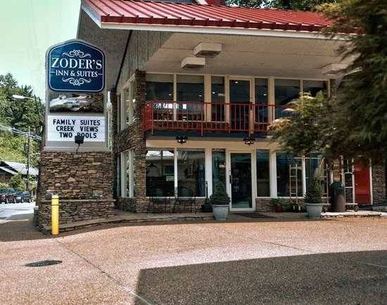 Zoders Inn & Suites