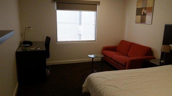 Atlantis Hotel: Standard Queen Bed Room