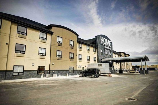 Home Inn & Suites - Swift Current: Exterior