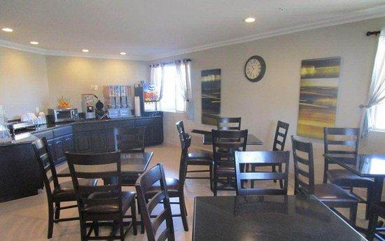 Best Western Willows Inn: Breakfast Room