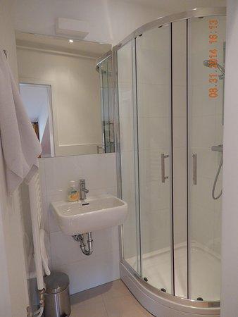 Bed and Breakfast Petra Varl: Bathroom