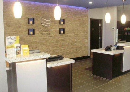 Front Desk Picture Of Comfort Inn Amp Suites Tulsa Tulsa