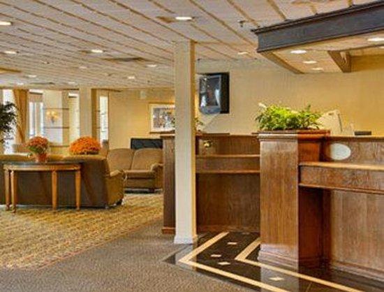 FairBridge Hotel & Conference Center East Hanover: Lobby