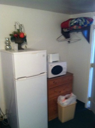 Terry, MT: Fridge, Toaster and Microwave